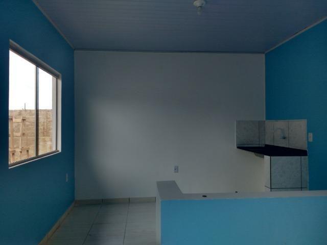 Aluga-se um Ap. estilo flet- um quarto,com internet na R. do Sol - Floresta