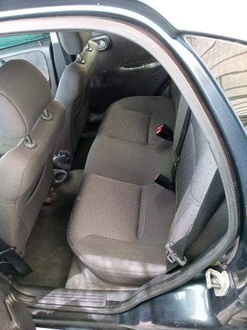 Corsa sedan Premium 1.4 - Foto 8