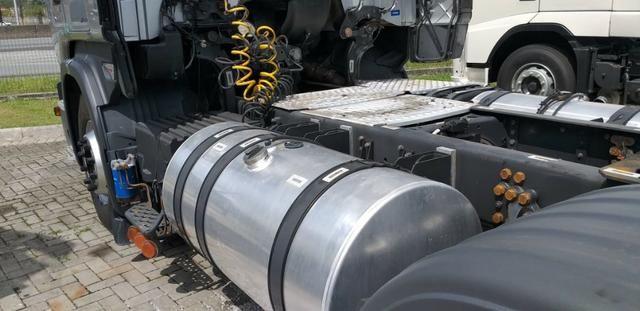 Caminhao scania r 440 6x2 prata completo motor novo ano 2014 - Foto 12