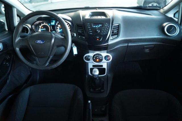 Fiesta 1.5 SE todo revisado pneus novos 2015 - Foto 2
