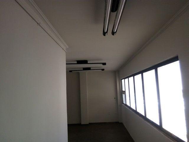 Maior sala do condominio no centro da cidade - Foto 3