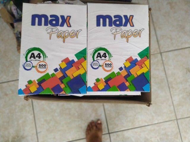 2 caixas Papel A4 cada uma é 220,00
