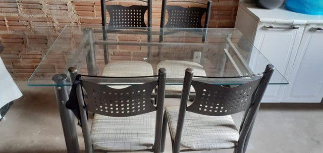Conjunto de Mesa de Jantar com quatro cadeiras - Foto 2
