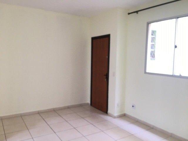 Apartamento 02 quartos - B. Camargos