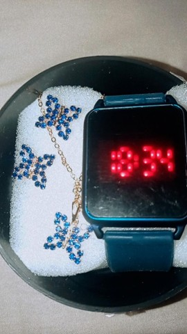 Vendo lindos relógios  - Foto 4