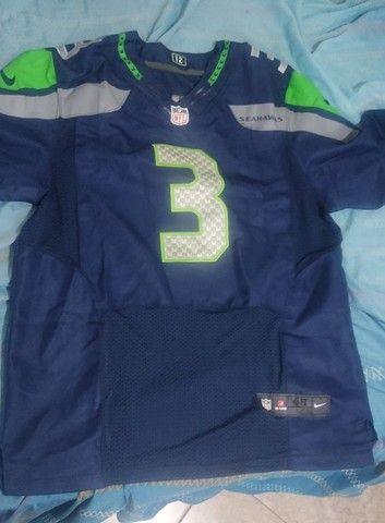 Camisa NFL Seahawks #3 Russell Wilson Autografada - Foto 2
