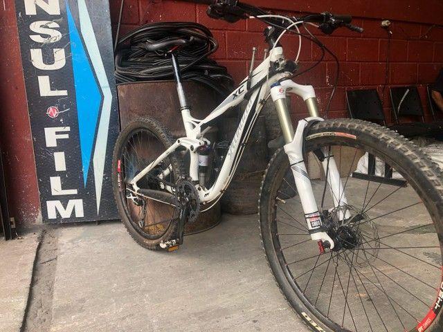 Bicicleta Specialized XC 2011 Full suspension