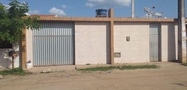 Vendo esta casa em sapé PB,  localizada no Abel Cavalcante,  bem próximo da feira