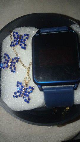 Vendo lindos relógios