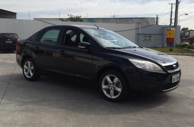 Ford focus sedan 2.0 gasolina mecanico abaixo tabela