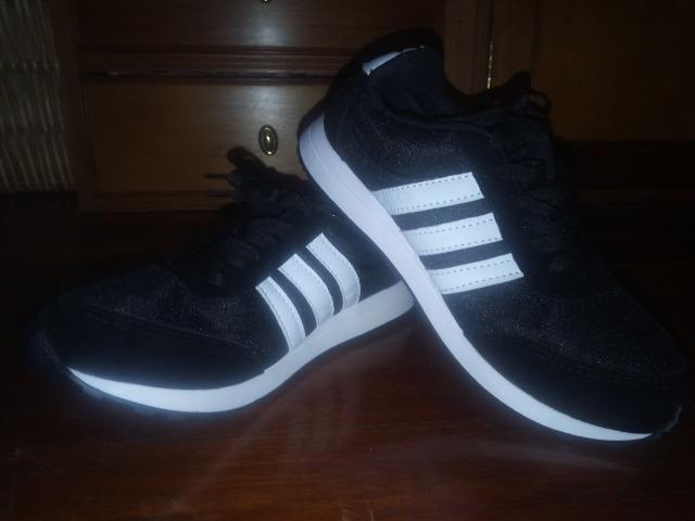 d497f55ac61 Tênis Adidas primeira linha - Roupas e calçados - Jardim São Carlos ...
