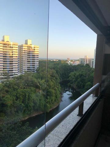 Apartamento Alphaville Cosmopolitan 1 suíte 52m² Nascente Finamente Decorado Vista Lagoa - Foto 2