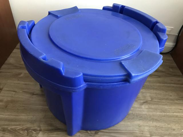Caixa Térmica Cilíndrica 30 litros