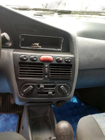 Fiat Siena 1.0 6 marchas 2000 Sucata Em Peças - Foto 8