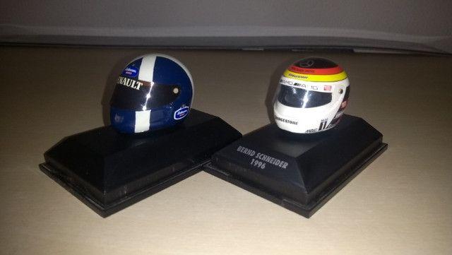 Capacete Minichamps 1/8 D.Coulthard e B.Schneider
