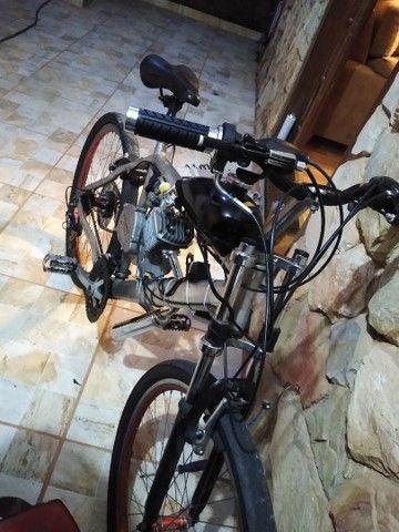 Bicicleta motorizada 80cc nova - Foto 2