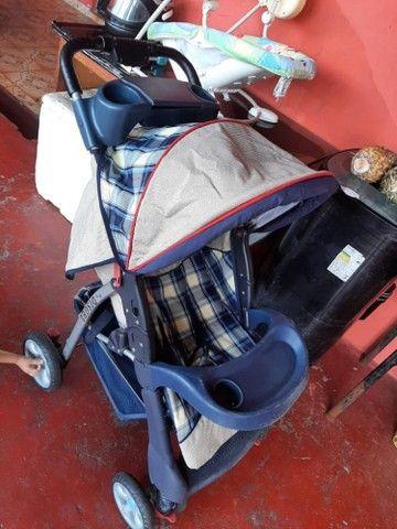 vendo carrinho de bebê bem conservado - Foto 3