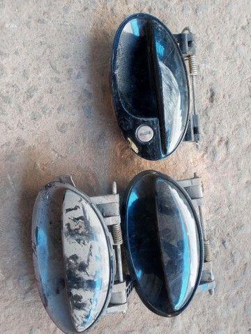 Maçaneta de porta do Celta Prisma valor r$ 30 cada uma
