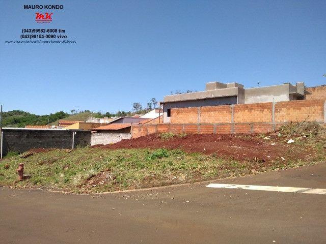 Terreno comercial de esquina com 361,00 m2 no residencial Casagrande em Ibiporã.