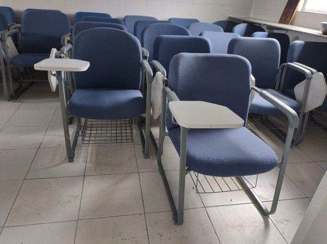 Cadeiras fixas escolares alcochoadas