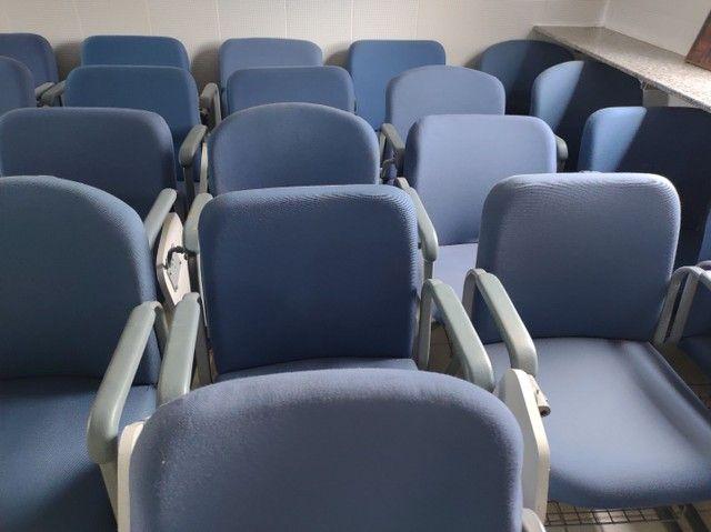 Cadeiras fixas escolares alcochoadas - Foto 3