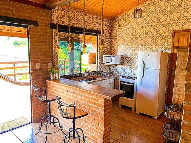 Casa com 2 quartos com 1 Suite - Cozinha Americana - 2 Vagas de garagem - Deck com Churras - Foto 5