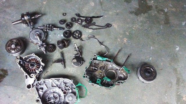 Vendo peças da Twister parte de baixo do motor - Foto 3
