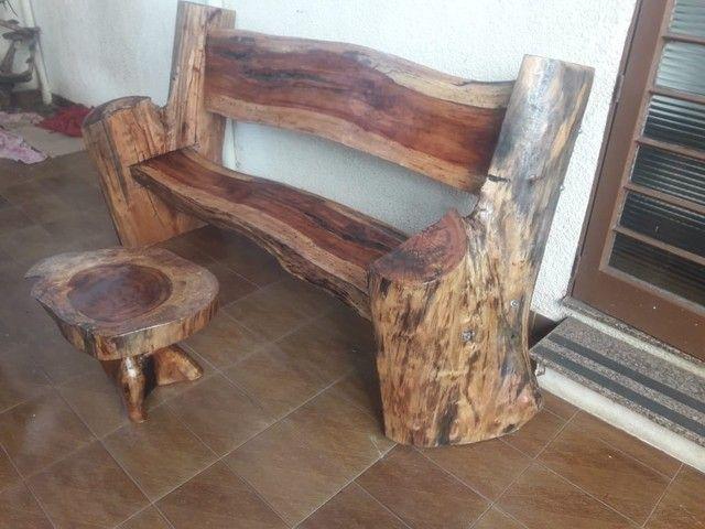 banco de madeira + mesa de madeira rústica