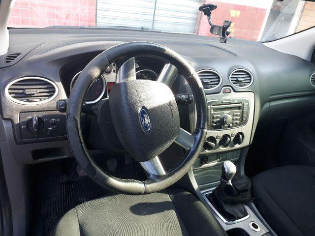 Focus sedan 2010/11 - Foto 2