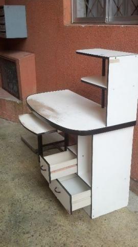 Mesa para computador ou bancada de trabalho usada, no zapzap com Nani 41 988022206