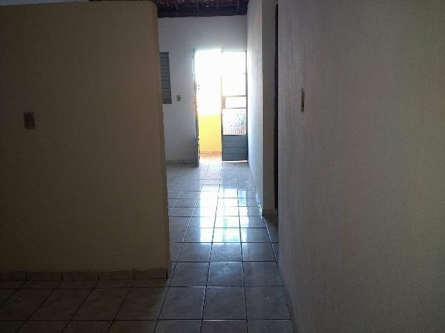 Apartamento no Tabuleiro dos Martins de 2 quartos, ventilado, com água inclusa no aluguel