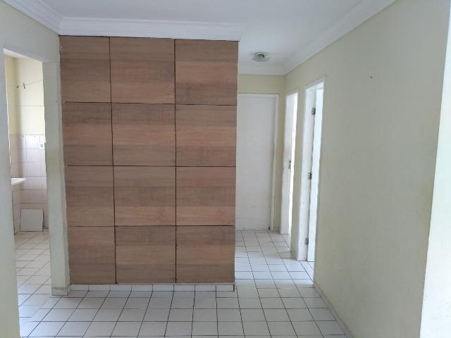 Ótimo apartamento no Cond. Vila Vitoria