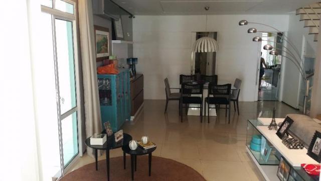 Confortável duplex, 4stes, amplos espaços de muito bom gosto. - Foto 12