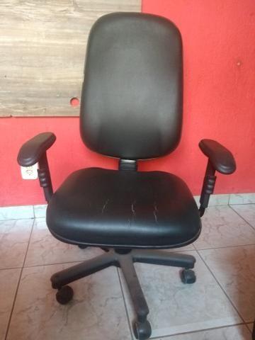 Vendo 01 cadeiras c/regulagem - Foto 4