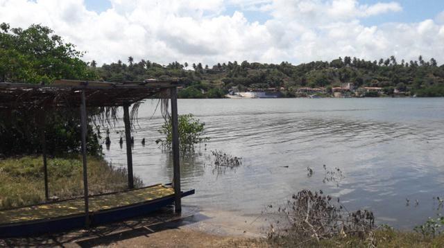 Litoral Norte - Barra de Santo Antônio - Ilha da Croa - Em Rua Pavimentada - Foto 16