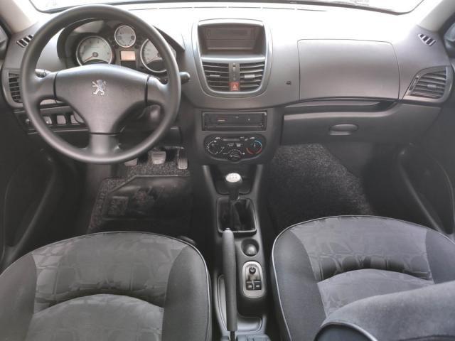 Peugeot  207 XR 1.4 8V Flex 82CV 4x2 4P - Foto 8