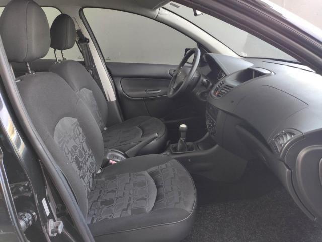 Peugeot  207 XR 1.4 8V Flex 82CV 4x2 4P - Foto 10