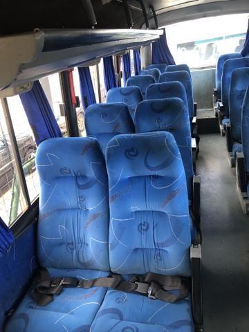 Microônibus ano 2004 - Foto 8