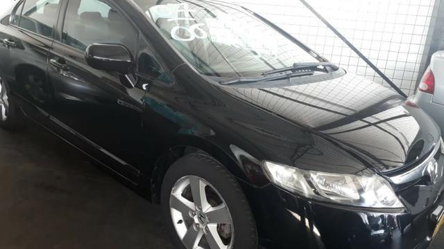 Honda Civic LXS 1.8 Automático