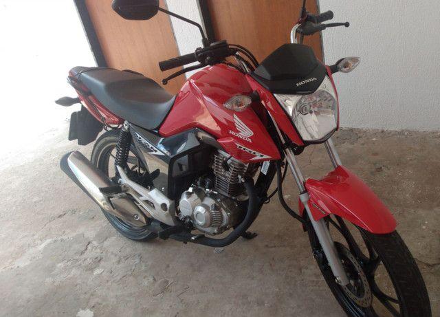 Troco moto e carro por carro mais novo.