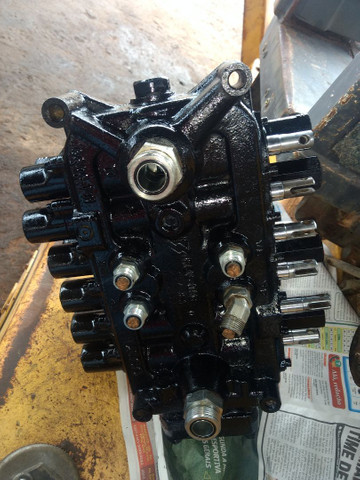 Retroescavadeira motor para retros: Newholland,  CaseN,   * - Foto 4
