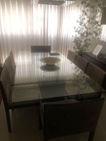 Mesa com tampo de vidro 8 lugares