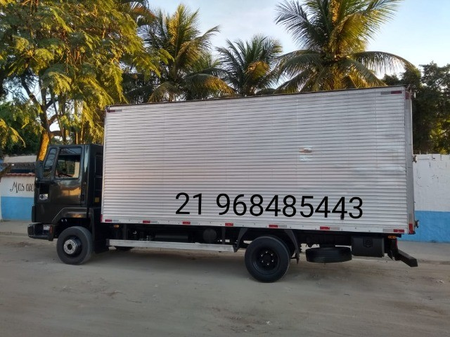 Frete e mudanças caminhão báu 5,5 metros de cumprimento - Foto 5