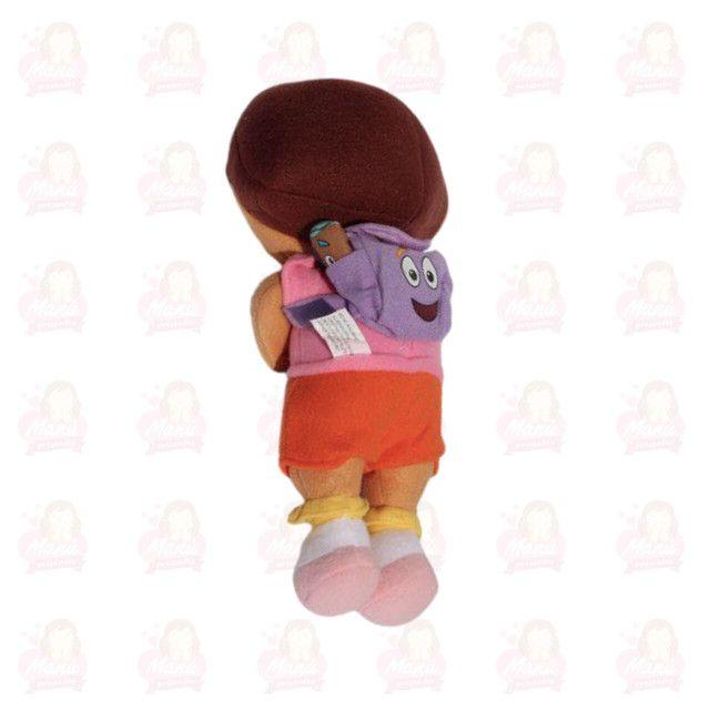 Dora Aventureira 30cm pelúcia com estrela na mão - Foto 2