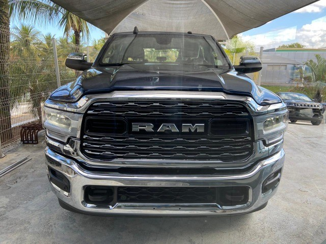 RAM 2500 Laramie 6.7 Cummins TB Diesel 4x4 0Km