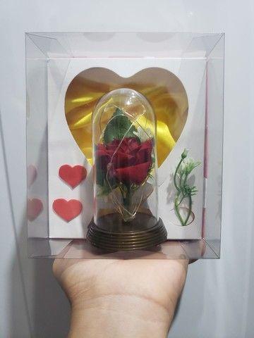 Cúpula Luminária Rosa Bela e a Fera com led - Foto 4