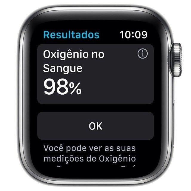 Apple Watch Series 6 (GPS + Cellular) 40mm caixa aço inoxidável e pulseira estilo milanês - Foto 3
