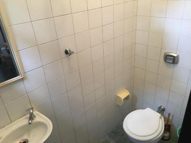 Casa com 5 quartos sendo 4 suítes em condomínio no Alto - Foto 2