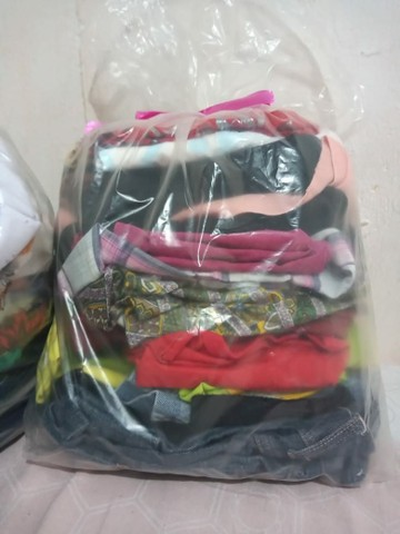 Vende-se lote de roupas usadas e manequim (LEIA A DESCRIÇÃO COM ATENÇÃO) - Foto 3