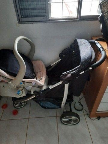 Carrinho de bebê com bebê conforto - Foto 3